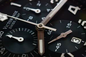 chronograph-under-10000-featured